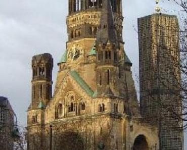 Les ruines de l'église du Kaiser Guillaume à Berlin