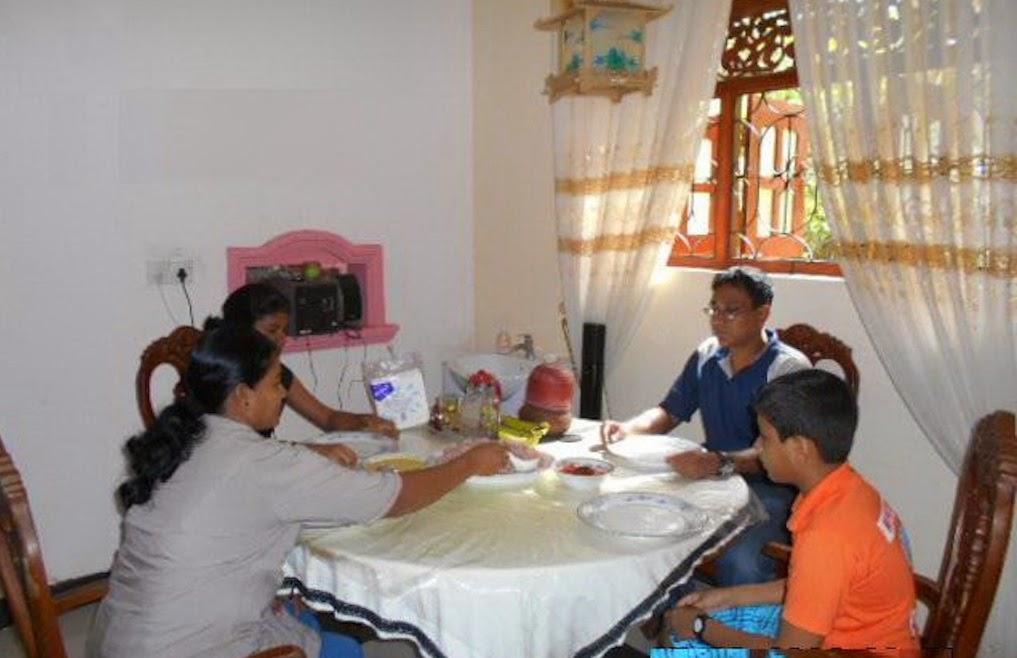 Dormir chez l'habitant au Sri Lanka : bienvenue chez Rohitha à Tangalle !