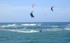 Découvrir le kitesurf en vacances