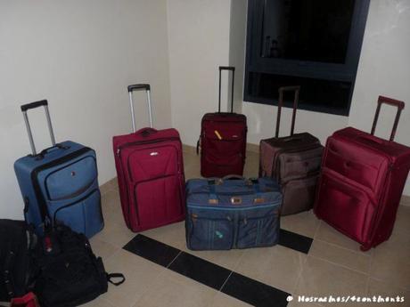 Nos bagages lors de notre retour de Dubaï, où nous avons vécu une expatriation familiale