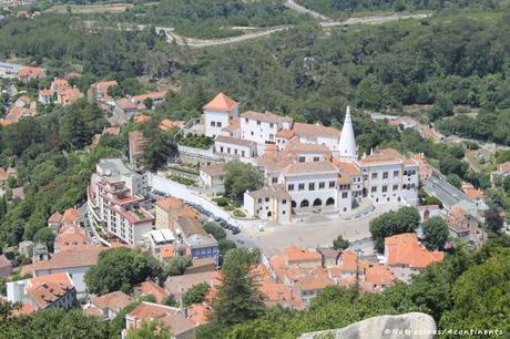 La vue sur le Palais national de Pena, du château des Maures