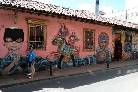 street art dans une rue de la Candelaría dans le centre historique de Bogotá