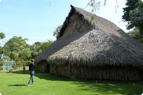 Maloca reconstituée au jardín botánico de Bogotá