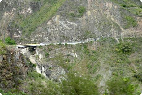 pont dans un paysage du sud de la Colombie