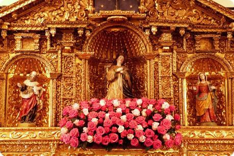 Zoom sur les fleurs de la chapelle du Palacio Presidencial de Quito