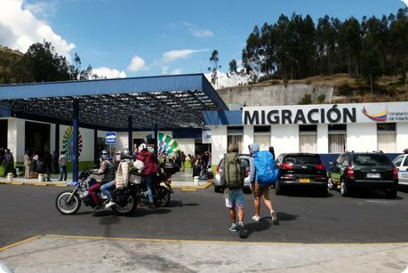 bâtiment de la migration à la frontière Colombie - Equateur