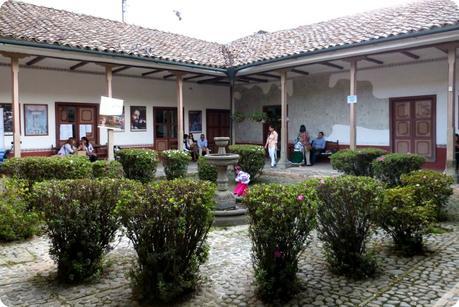 patio de la junta permanente pro semana santa de Popayán