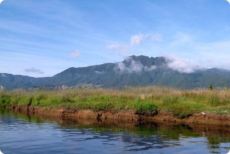 paysage de la montagne à la lagune de la Cocha à Pasto