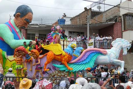 char de la reine du carnaval de Pasto