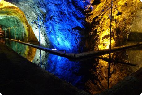 coin du plan d'eau dans la mina de sal de Nemocón