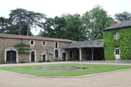 chapelle-saint-florent-chateau-baronniere-cour-carree-4