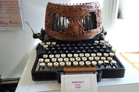 montmorillon vienne cité livre écrit musée machines écrire calculer