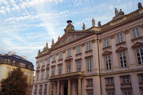 bratislava vieille ville centre palais primatial