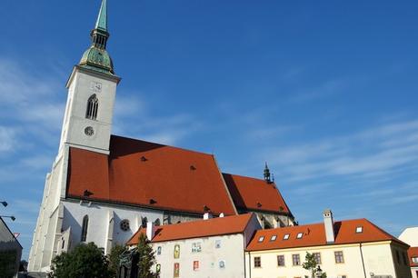 bratislava vieille ville centre cathédrale saint-martin