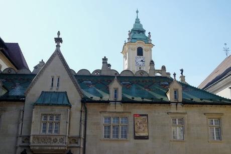 bratislava vieille ville centre place centrale ancien hôtel de ville