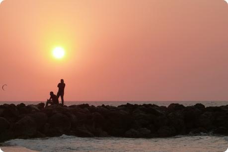 coucher de soleil sur une plage de Carthagène