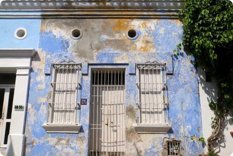 maison bleue très décrépit à Carthagène