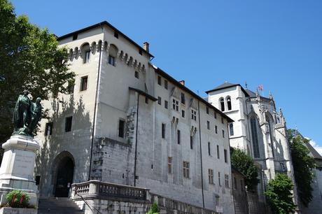 chambéry savoie vieille ville château ducs