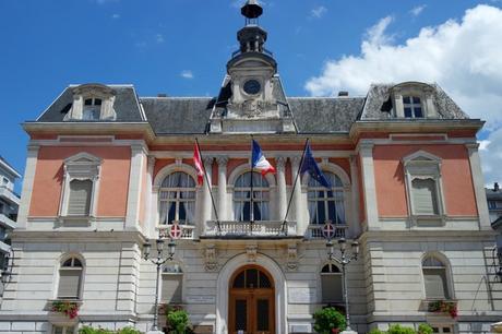 chambéry savoie vieille ville hôtel ville