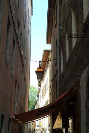 chambéry savoie vieille ville rue médiévale moyen âge