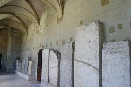 chambéry savoie vieille ville cathédrale cloître