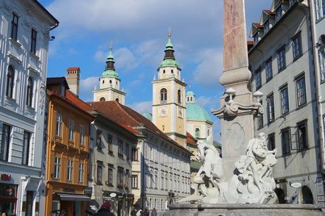 ljubljana Mestni trg fontaine robba trois rivières carniole baroque cathédrale saint nicolas