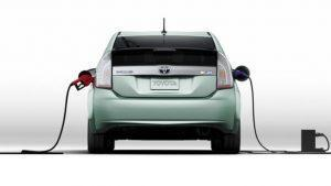 Choisir voiture électrique, essence hybride