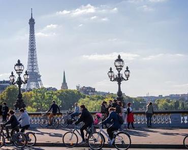 Visiter Paris entre amis : 5 activités insolites et classiques
