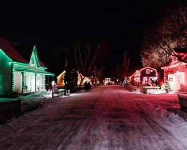 Village québécois d'antan illuminé pour Noël